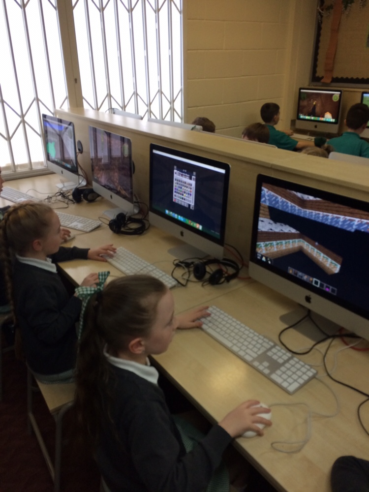 Re-creating Speke Hall in Minecraft Y4
